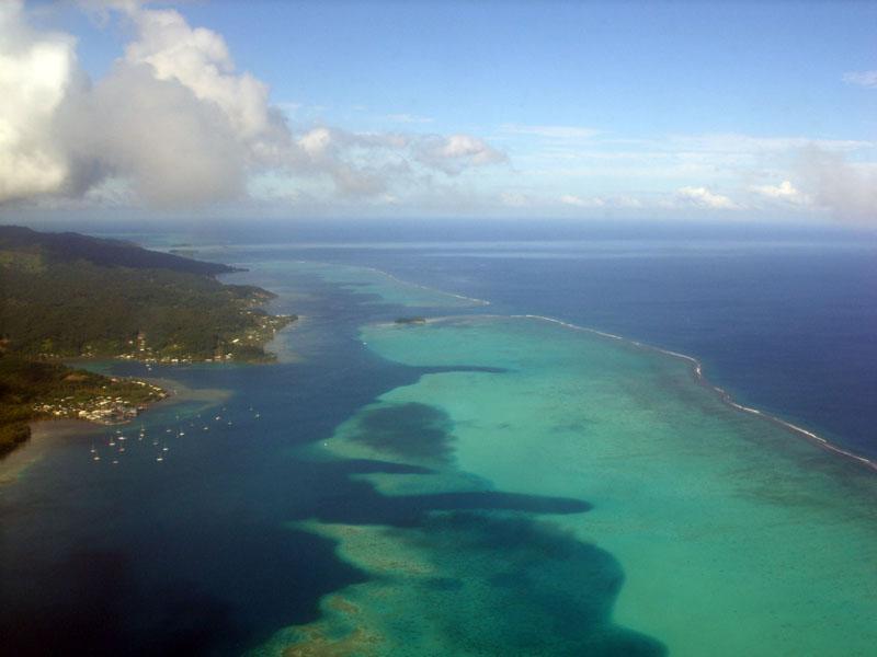 lagon à l'approche de Raiatea